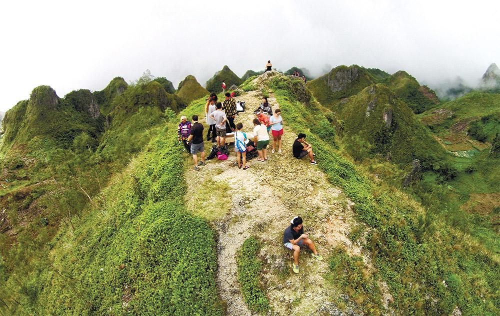 Osmeña Peak - Best Trekking Destination